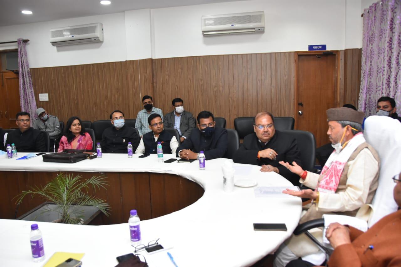 Uttarakhand CM tirath meeting