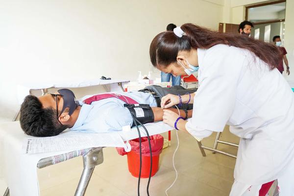 graphic era blood donation 1